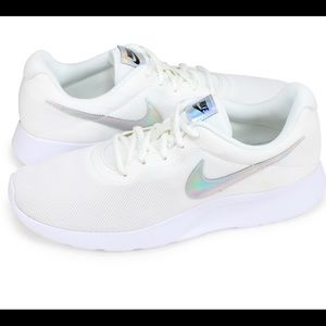 Women Nike Tanjun's New without Tags